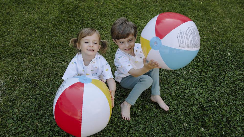 pelota inflable de colores 2