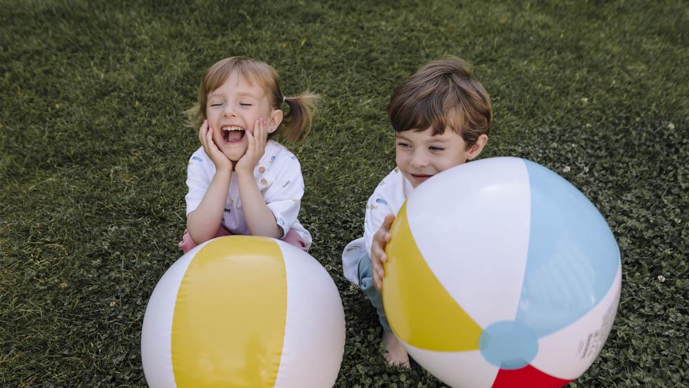 pelota inflable de colores 3
