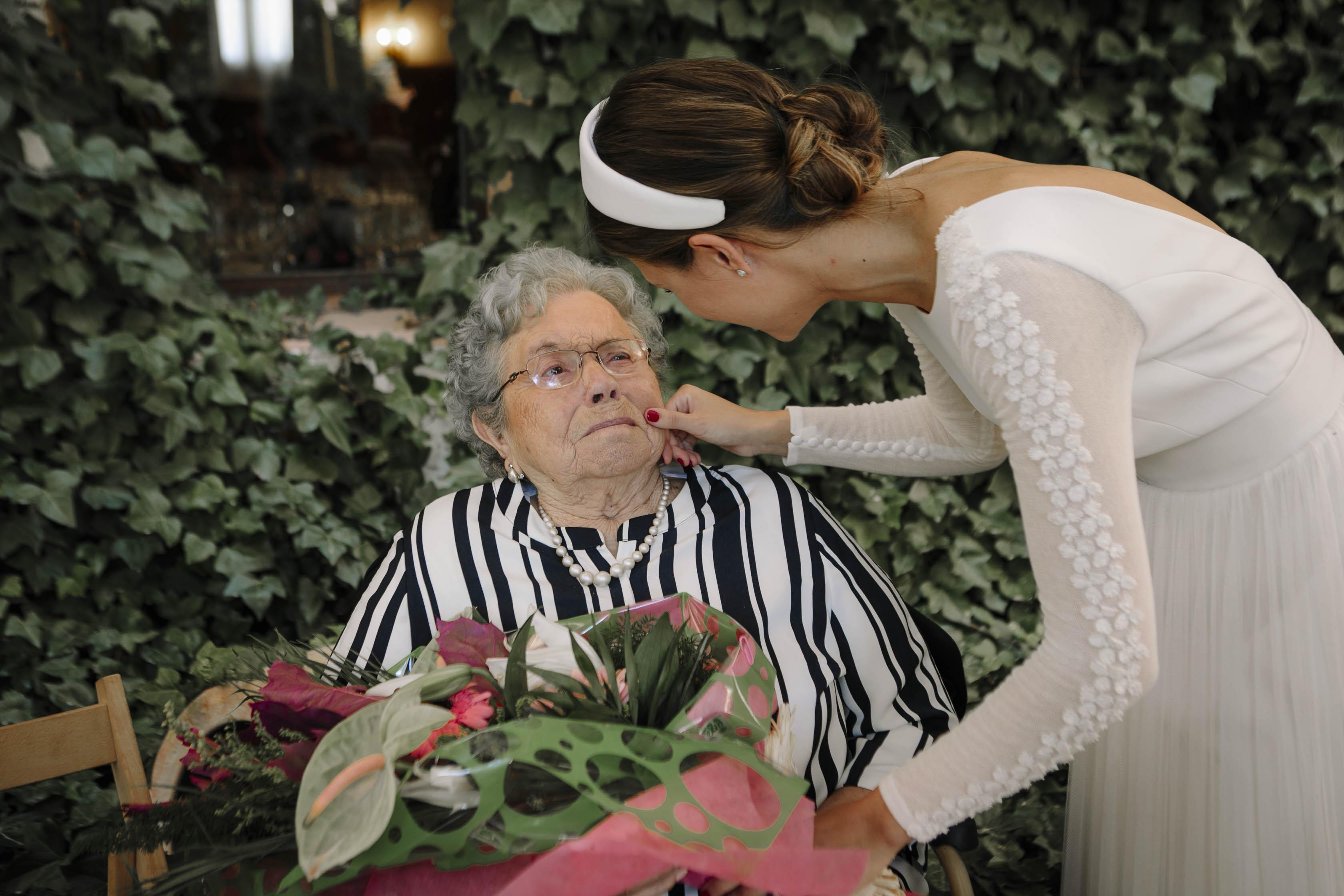 abuela y novia
