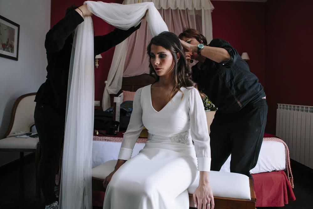 preparativos novia en Ligüerre de Cinca