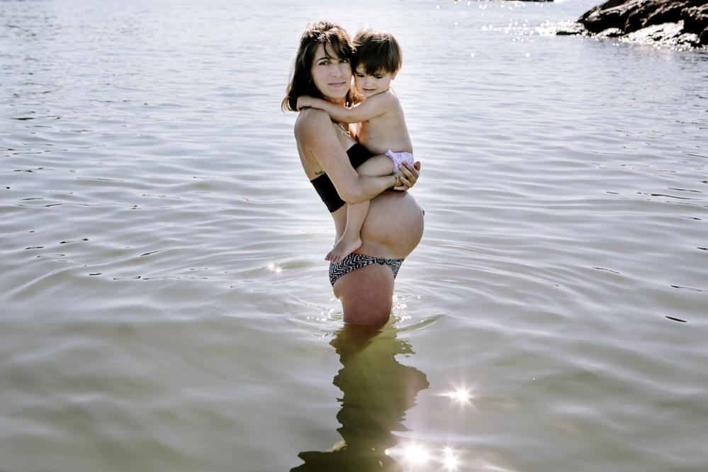foto embarazada en la playa