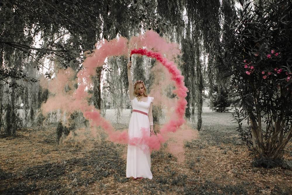 humo color en boda
