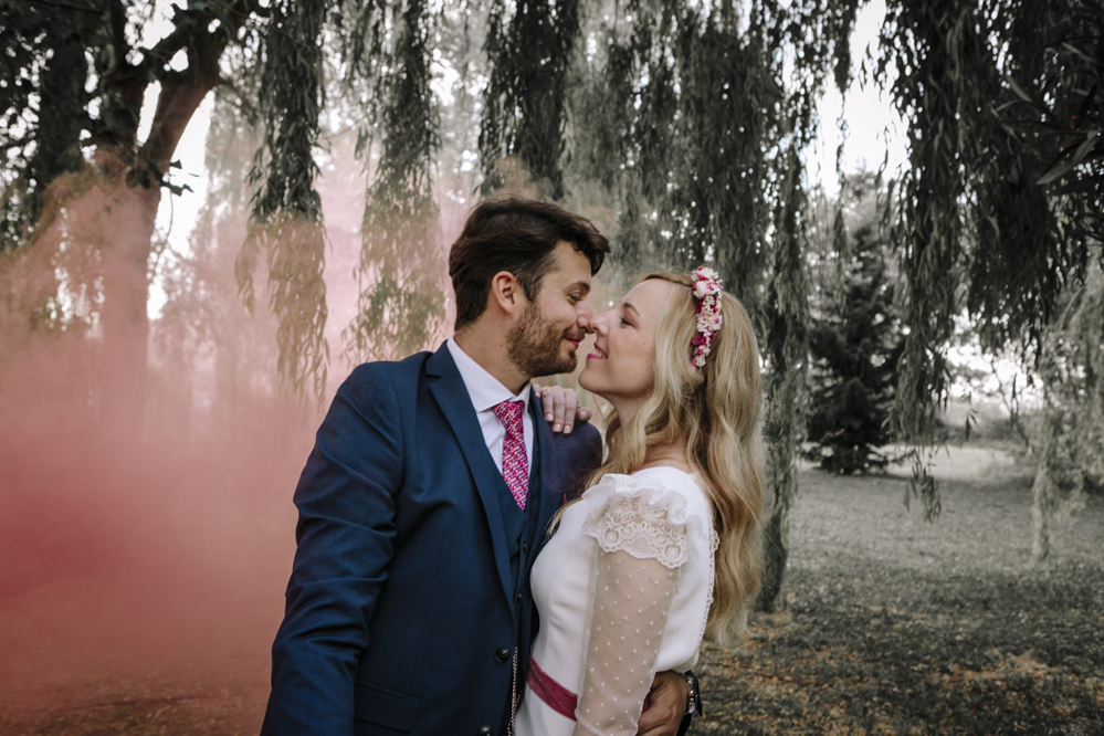 humo color en boda 2