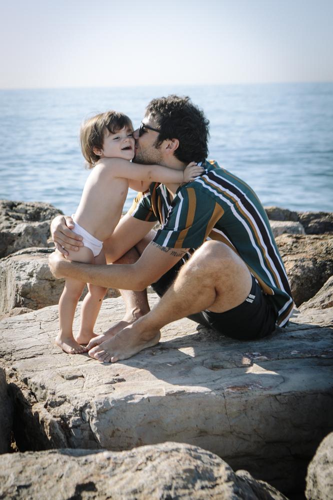 padre e hija en la playa 2